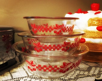 Vintage Pyrex Red Cherries Mixing Bowl Set / Nesting Bowls