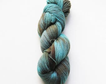 Hand dyed yarn 'Algae' 4 ply 100g