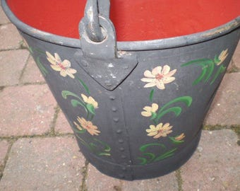 Vintage English Canal Boat Bargeware Bucket. In lovely condition
