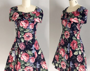 Gorgeous Vintage Floral Sweetheart Dress with Attached Crinoline Petticoat Size Small to Medium - OSV0108