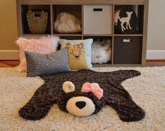 Bear Rug / Faux Bear Rug / plush bear rug / Woodland rug / woodland nursery / baby play mat