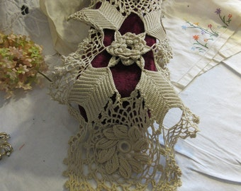 amazing hand crocheted runner, 1930's, 3 dimensional, ecru, intricate, woman's art, dresser, table top, super condition, needlework as art