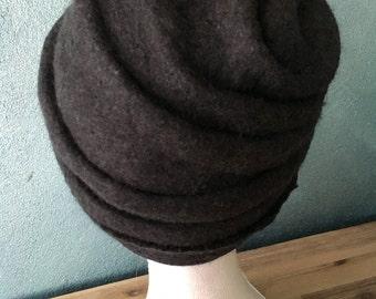 Crafts: felted hat in soft dark grey Merino Wool (size 56)