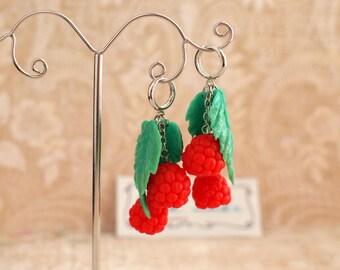 Raspberry earrings Realistic red raspberries and leaves earrings Raspberry jewelry Woodland earrings Red and green earrings Rustic earrings