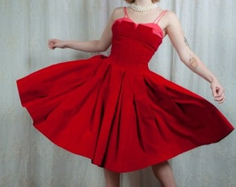 1950s Dramatic Red Velvet Party Dress - XS