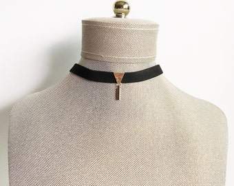 Triangle Charm Choker_ Taupe Brown/ Black