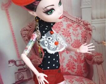 Evelyn, custom doll OOAK/repaint Monster High Draculaura