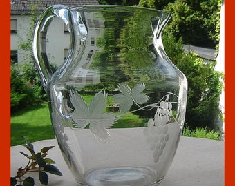 Antique juice jug - 30s - leaves
