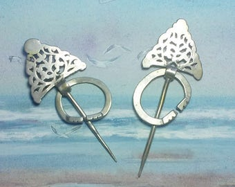 2 ancient fibulas from Morocco, kind of silver pins , maroccan handycraft, north african art