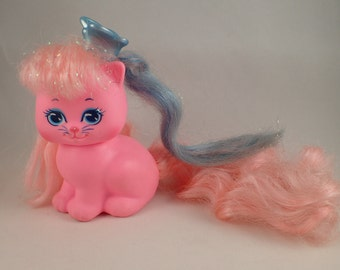 Lady LovelyLocks Dame Boucleline Pinky Paws with Pixietails Blue Butterfly clip for Hair / Clothes Mattel 87