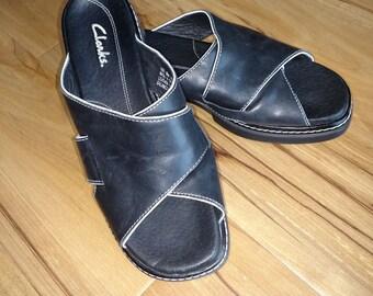 Clark Womens Shoes/ Size 6.5 Clark Shoes/Black Leather Sandals/Clark Sandals/90's Clark Shoes/Nr.290