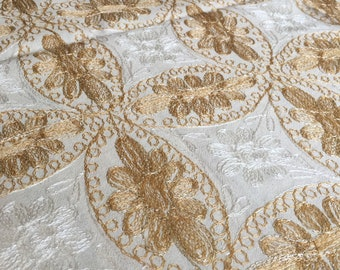 tablecloth 80 X 60 inches, and 8 napkins, Aghabani Tablecloth, Embroidered Beige tablecloth, Syrian textiles, Beige and gold tablecloth