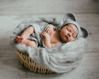 Cap for a photo shoot of newborns, Gray mouse