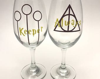 Harry potter gift - Harry potter wine glasses - Gryffindor glass - Hufflepuff glass - Ravenclaw  glass - Slytherin glass