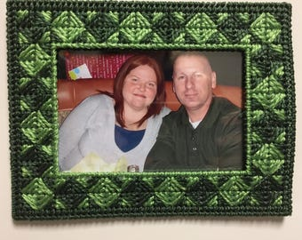 Magnetic picture frame plastic canvas 4x6 or wallet size