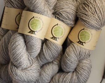 100% pure New Zealand undyed natural yarn, 100 grams