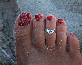 crown toe ring