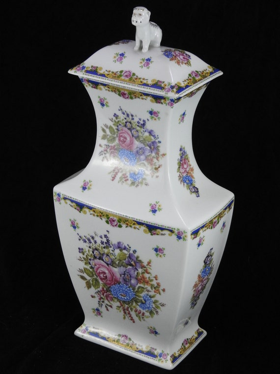 Rare and spectacular large vase vintage french dog of fo circa 1930 XX REF/CA Limoges porcelain