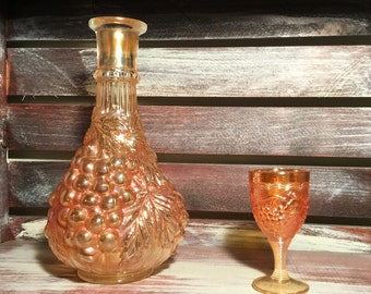 """IMPERlAL iridescent Marigold CARINAVAL GLASS Grape Wine Decanter with one 4"""" goblet"""