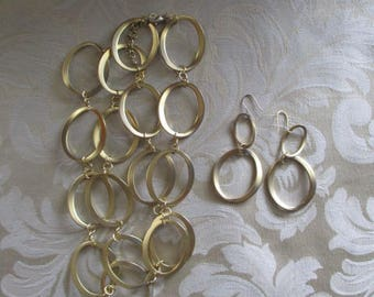 Vintage Premier Design Gold Tone Ovals Necklace & Pierced Earrings Set