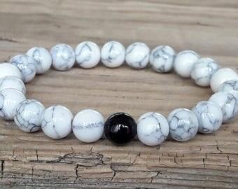 White howlite bracelet black onyx bracelet healing jewelry balance bracelet howlite stretch bracelet white stone bracelet gift idea