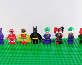 The LEGO Batman Movie outfits 8 pc minifigure set (Lego Compatible) DC Comics Catwoman Calandar-Man Robin Harley Quinn Joker Poison Ivy Gift