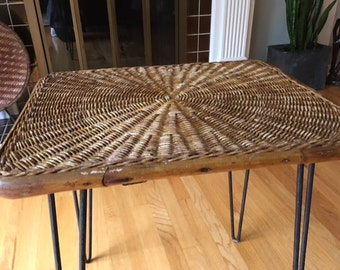 MARKDOWN Rare Mid Century Modern Wicker/rattan/furniture/ Coffee/cocktail  Table With
