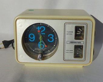 Old Soundesign Clock Radio