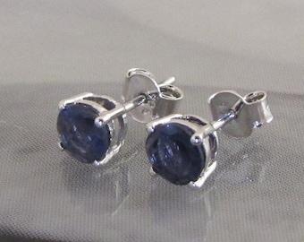 Ear studs earrings silver faceted Iolite, blue earrings, silver Iolite chips, flea silver stones, Iolite