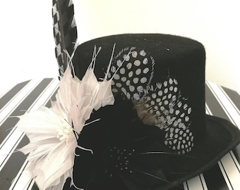 Top Hat Small Burlesque Fashion Top Wedding Fascinator Feather Flowers Black and White Hat Checkered Chequed Feather