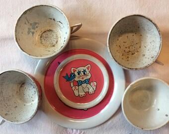 Ohio Art tin dishes / 6 pieces /Pink /Cat/Bird