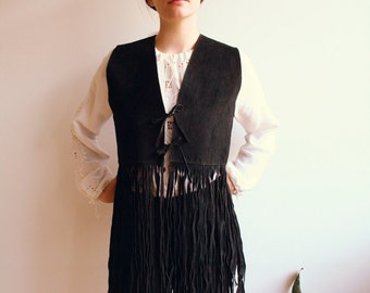 Vintage fringe vest//boho//black leather