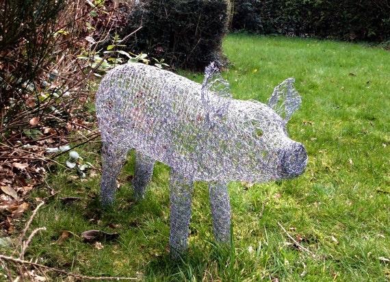 Handmade chicken wire pig sculpture for Chicken wire sculptures uk