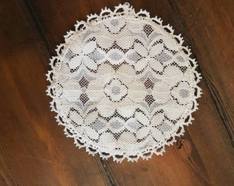 Vintage decorative doily - Made In England