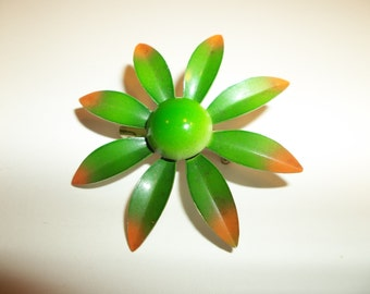 Vintage Enamel Brooch Green Retro