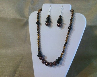 194 Elegant Natural Tigereye Gems and Large Glass Chocolate Pearls with Black Agate Beaded Neckace