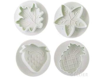 4 away Pieces sold by a Relief fruit pulp sugar almond paste