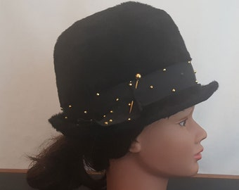 Vintage 60s Mod ROOS ATKINS California Black Fuzzy Faux Fur Hat with Gold Tone Beads M-L 22