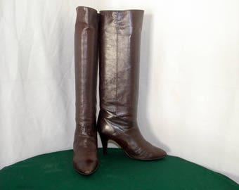 Sz 9 Women Vintage Tall Brown leather 1980s high heel Peter Kaiser Walking boots.
