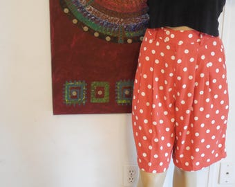 Vintage Gap Highwaisted Polkadot Culots / Knee-Length Coral Shorts with White Polkadots / Size 7/8