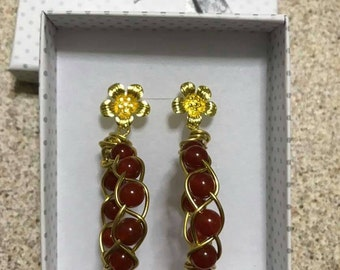 Hoop earrings with carnelian beads
