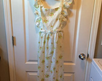 Vintage Full Length Strawberry Print Apron With Matching Pot Holder