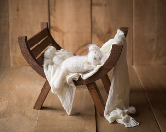 The Rustic Curved Seat