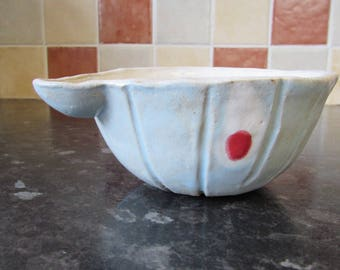 Egg bowl / omelette bowl / small mixing bowl