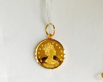 22k solid gold queen pendant 916 Gold