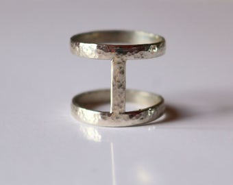 AFFINITY hammered silver ring