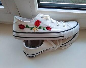 Sewed floral sneakers
