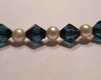 Emerald Green, Pearl Beaded Bracelet
