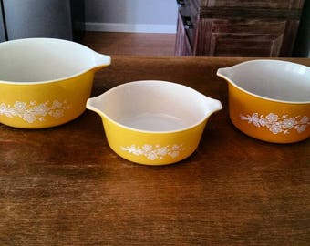 Butterfly Gold Pyrex Set of three, butterfly gold, pyrex, vintage pyrex, butterfly gold pyrex, vintage,retro,retro kitchen, vintage kitchen