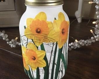 Spring daffodils kilner jar